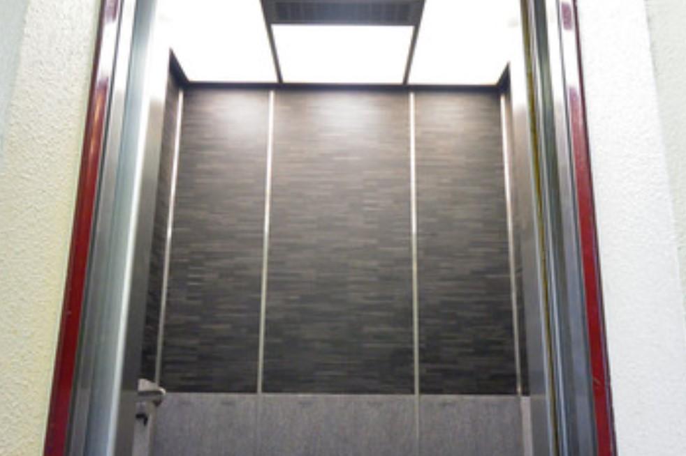地獄のエレベーター